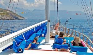 Κρουαζιέρες οργίων στα ελληνικά νησιά: Αυτή είναι η νέα «μόδα» σεξοτουρισμού στη χώρα μας! (pics)