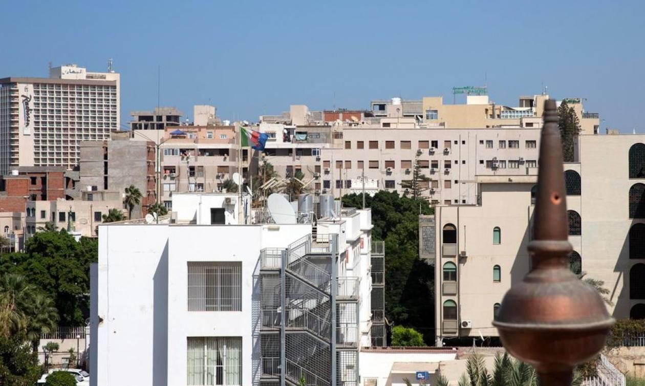 Χάος και πανικός στη Λιβύη: Τουλάχιστον 400 κρατούμενοι δραπέτευσαν από φυλακή κοντά στην Τρίπολη