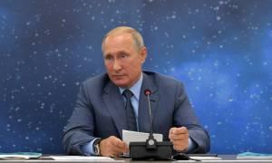 «Μόσχα, Κρεμλίνο, Πούτιν»: Εκπομπή για τον Ρώσο πρόεδρο στη ρωσική κρατική τηλεόραση (vid)