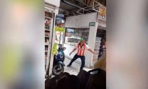 Τι συμβαίνει όταν ένας... αδέσποτος ταύρος εισβάλλει σε υπαίθρια αγορά; Δείτε το βίντεο