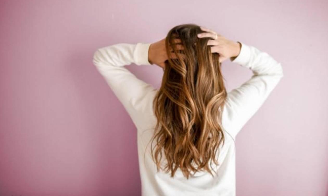 Πέντε μάσκες μαλλιών για να επαναφέρεις τα ταλαιπωρημένα μαλλιά σου