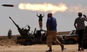 Χάος στη Λιβύη: Εκατοντάδες μετανάστες διέφυγαν από κέντρο κράτησης - Επιτεύχθηκε εκεχειρία (vids)