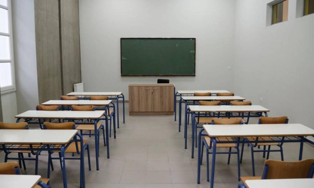 Πανελλήνιες: Το υπουργείο Παιδείας απαντά γιατί «έκοψε» τα Λατινικά