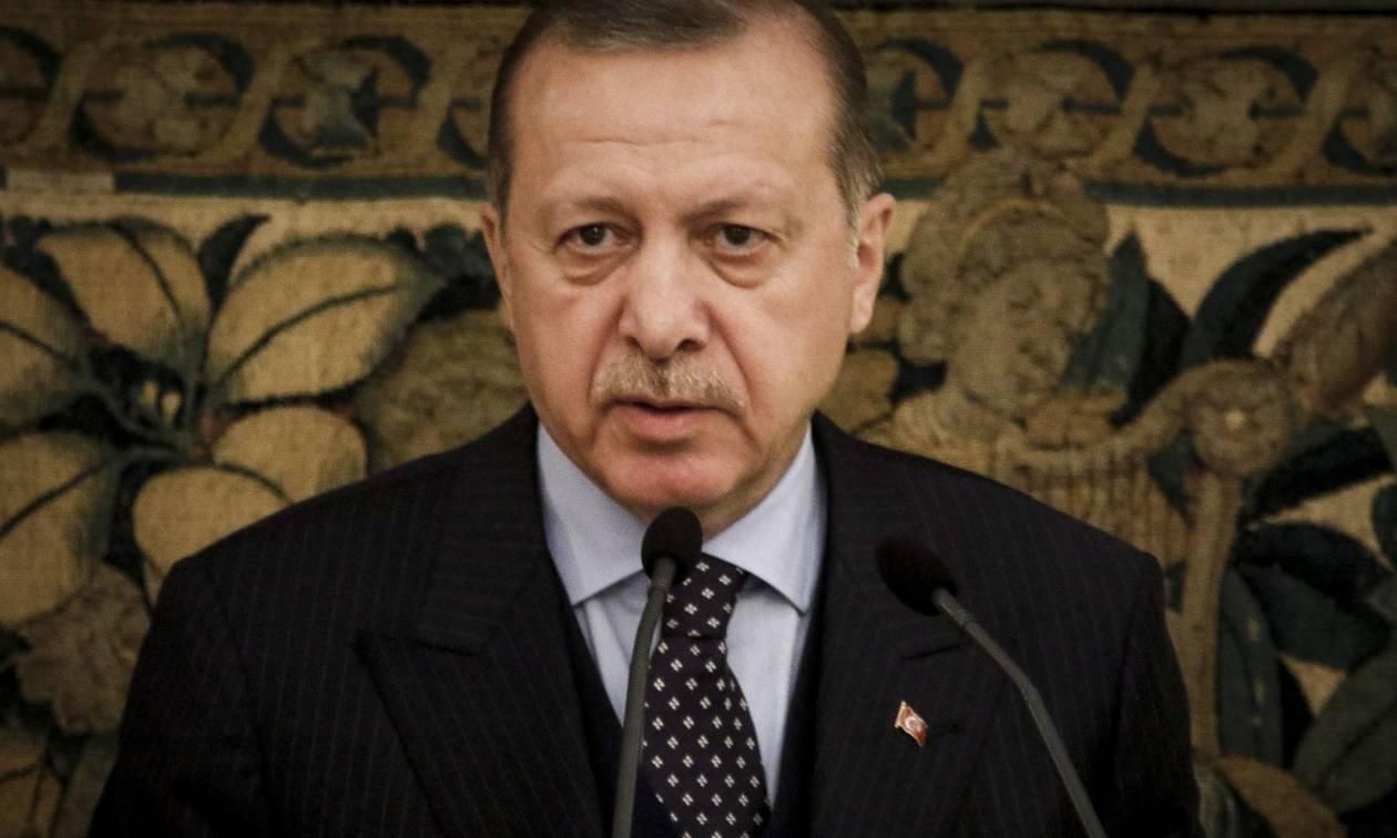 Στο χείλος της καταστροφής ο Ερντογάν – Μόνο έτσι θα σώσει την Τουρκία