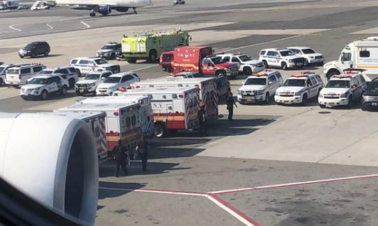 Μυστήριο στον «αέρα»: Επιβάτες αεροσκάφους αρρώστησαν ταυτόχρονα και μπήκαν σε καραντίνα (vids)