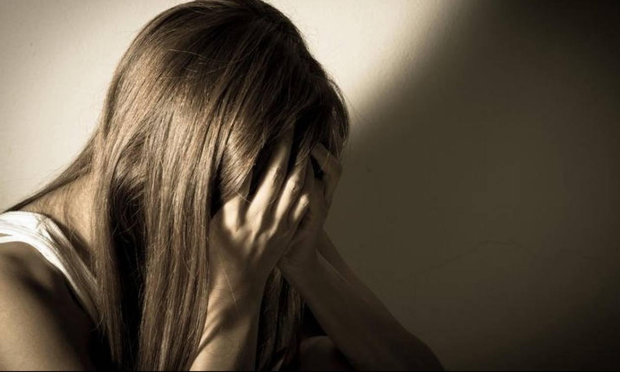 Εφιάλτης για 20χρονη στην Ηλιούπολη: Έπαιζε το παιχνίδι «Δαχτυλίδι της Φωτιάς» και την βίασαν