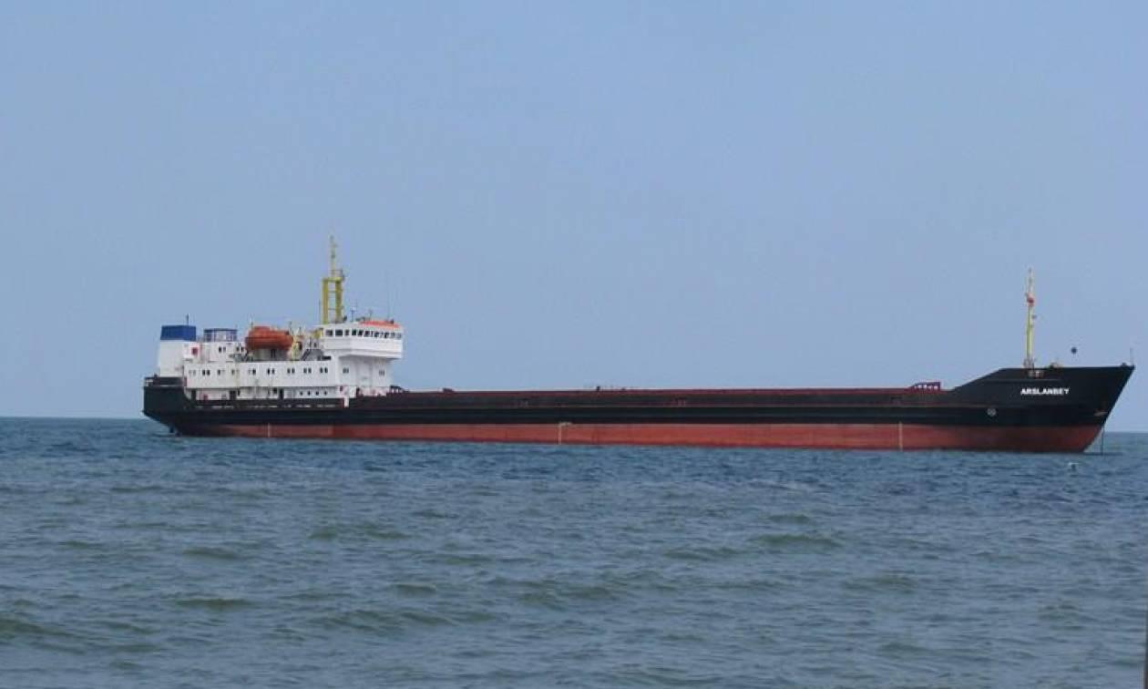 Περιπέτεια για το πλήρωμα του πλοίου «Arslanbey» στη Βόρεια Εύβοια (pics)
