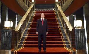 H τουρκική οικονομία καταρρέει κι ο Ερντογάν χτίζει νέο παλάτι