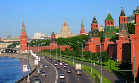 Уровень сероводорода в воздухе к утру превышен в пяти районах Москвы