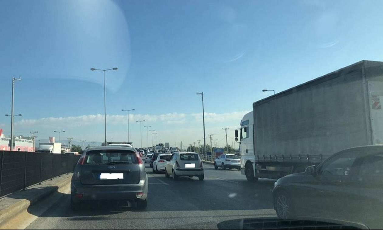 ΤΩΡΑ: «Κόλαση» ο Κηφισός λόγω τροχαίου - Ουρές χιλιομέτρων
