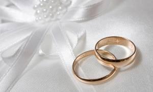 Διάσημη ηθοποιός νύφη πρώτη φορά στα 57 της! Η ηλικία του γαμπρού θα σας εκπλήξει