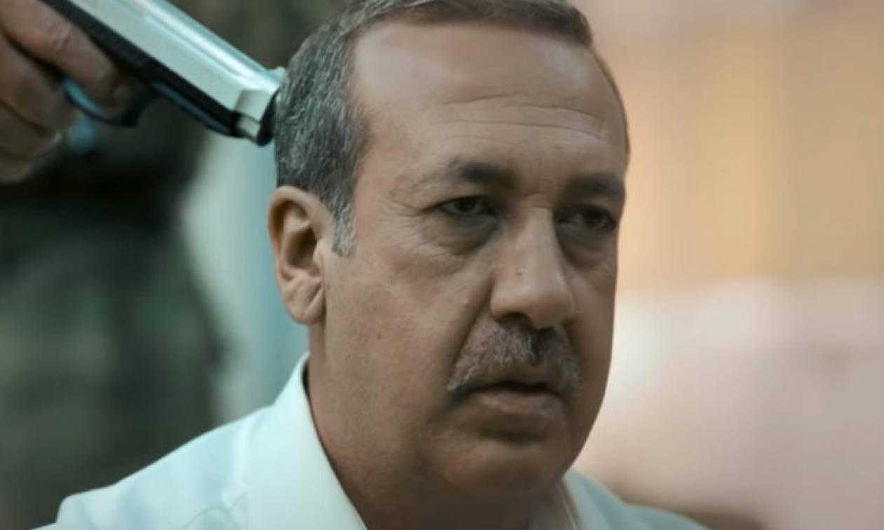 Σάλος στην Τουρκία: Απειλούν να σκοτώσουν τον «Ερντογάν» με όπλο στο κεφάλι! (vid)