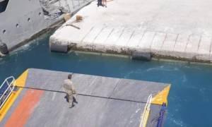Σχοινούσα: Αυτό δεν έχει ξαναγίνει! Υδροφόρα δεν... επέτρεψε στο Blue Star Naxos να δέσει (vid)