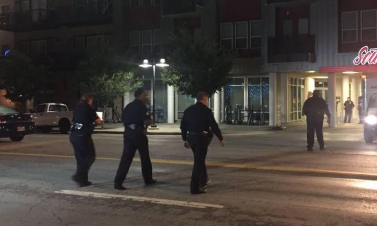 Απίστευτη τραγωδία: Γυναίκα αστυνομικός μπέρδεψε το σπίτι της και σκότωσε τον άντρα που βρήκε μέσα!
