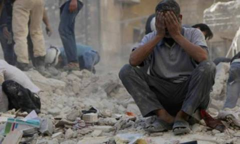 Syria war: 'Russian strikes' target Idlib as offensive looms