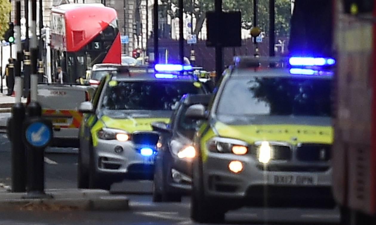 Βρετανία: Μία γυναίκα συνελήφθη για την επίθεση με μαχαίρι στο Μπάρνσλεϊ (vid)