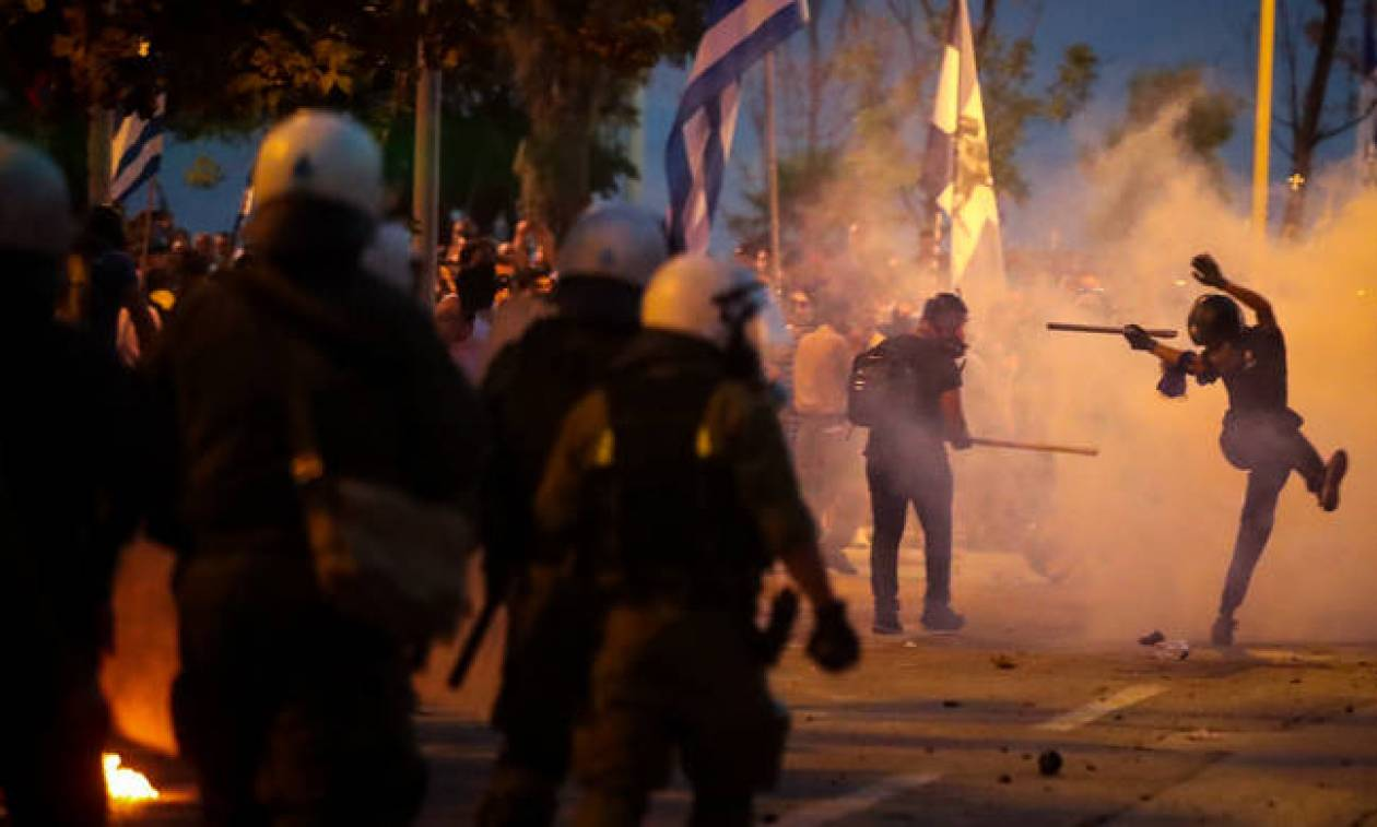 Σοβαρά επεισόδια στα συλλαλητήρια της Θεσσαλονίκης (pics+vids)