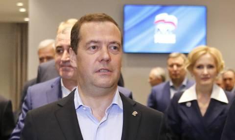 """Медведев назвал достойным результатом для """"Единой России"""" итоги единого дня голосования"""