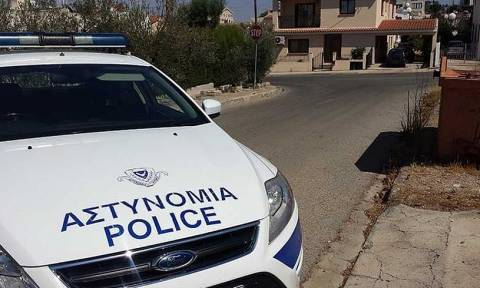 На Кипре арестованы граждане России, обвиняемые в краже банковских карт