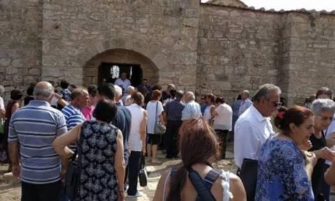 Κύπρος: Η πρώτη λειτουργία στην Παναγία Κανακαριά στα κατεχόμενα - Mετά από 42 χρόνια (pics)