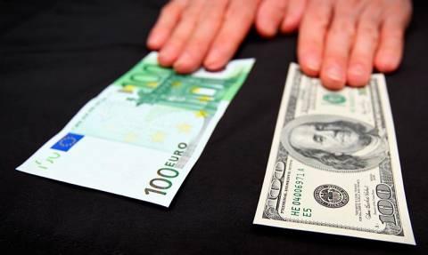 Доллар и евро превысили отметку в 70 рублей и 81 рубль впервые с 2016 года