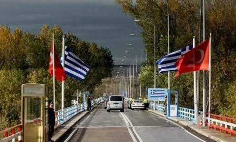 Турецких военных, арестованных в районе Эвроса, вернули на родину