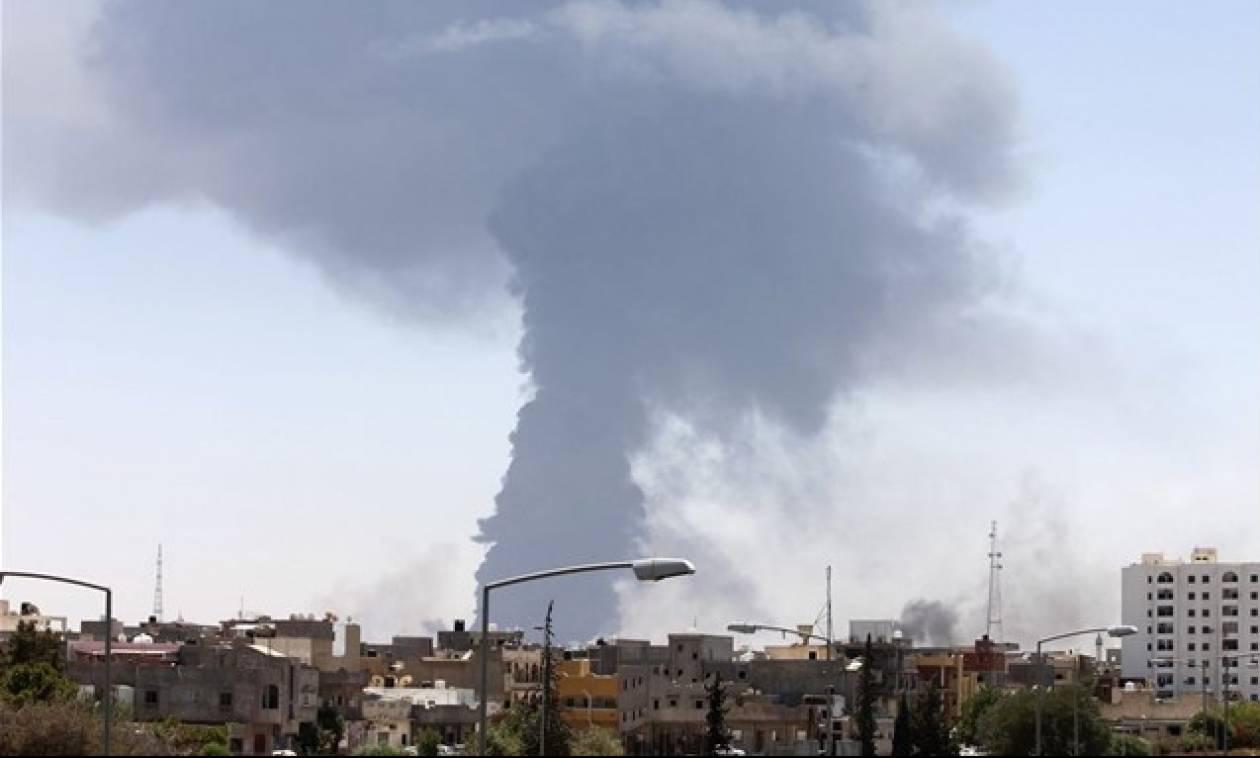 Ο τρόμος επέστρεψε στη Λιβύη: Δεκάδες ένοπλοι εξαπέλυσαν επίθεση στην καρδιά της Τρίπολης (Pics+Vid)