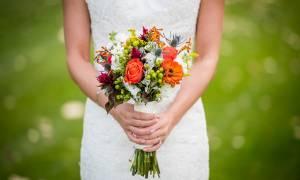 Φολέγανδρος: Τρομερή νύφη! «Έστειλε» τον απίστο γαμπρό και έκανε το γλέντι με τους... συγγενείς του!
