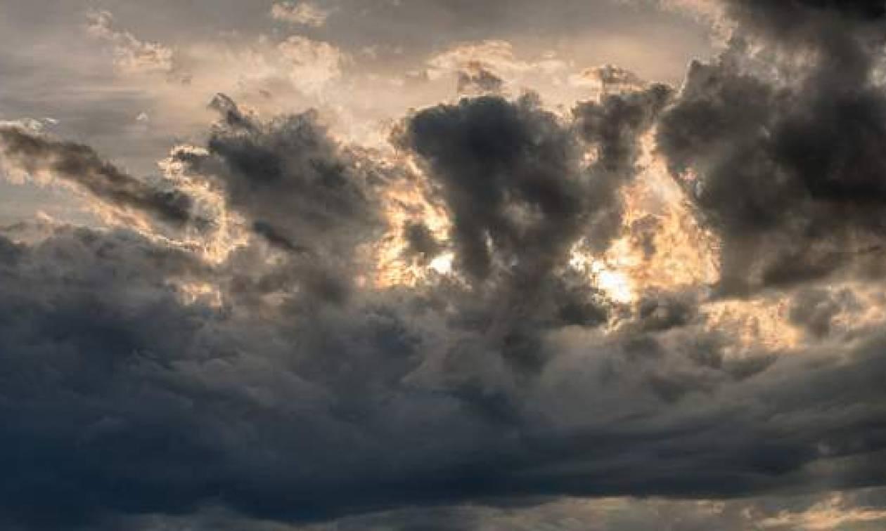 Καιρός: Πέφτει και άλλο η θερμοκρασία την Τρίτη (11/9) - Σε ποιες περιοχές θα βρέξει