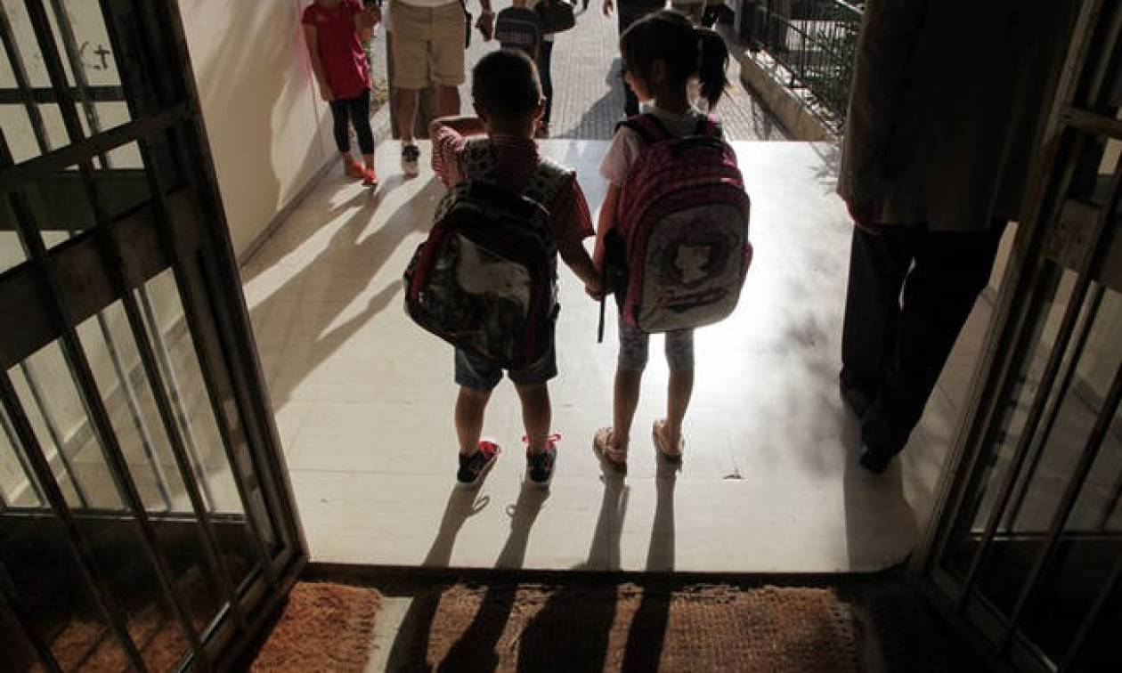 «Βόμβα» Γαβρόγλου: Αλλάζει η ώρα έναρξης των μαθημάτων στα σχολεία