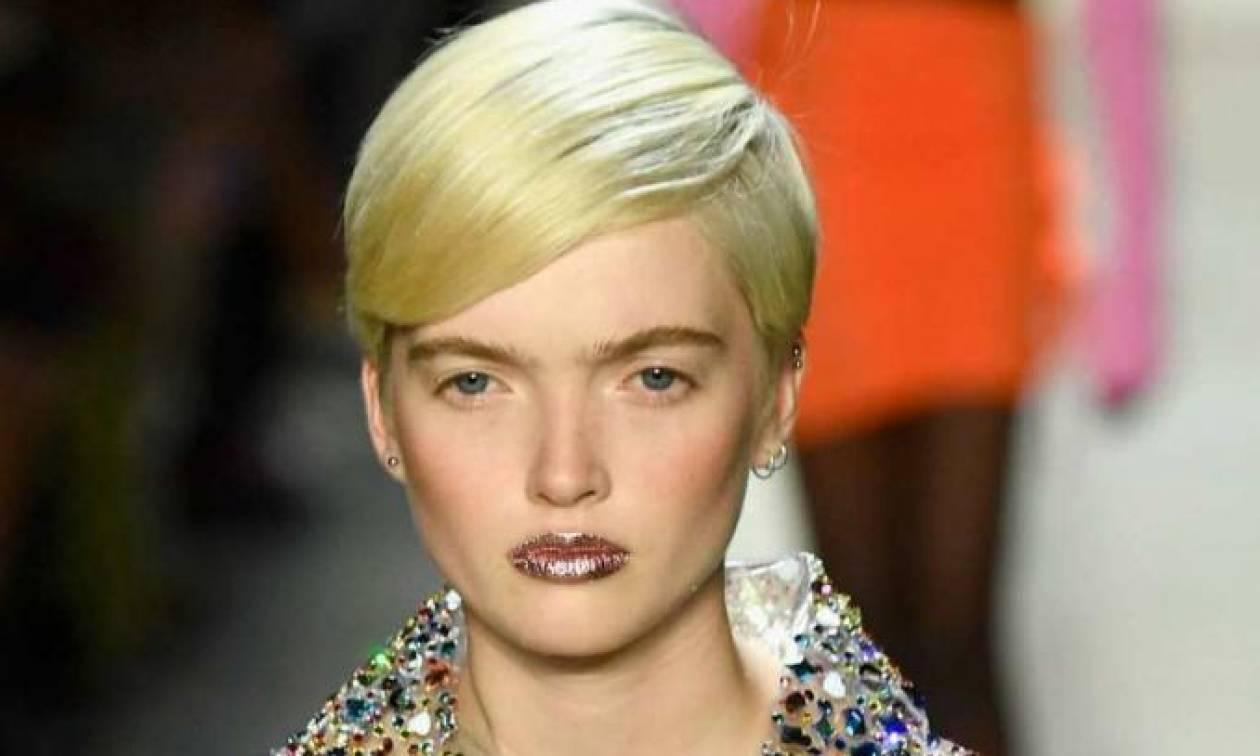 Τα ''Foil Lips'' είναι η τελευταία τάση στο μακιγιάζ που θα σε ενθουσιάσει