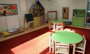 Επιπλέον 30.000 παιδιά θα φιλοξενήσουν φέτος οι παιδικοί σταθμοί – Τι θα γίνει με τα vouchers