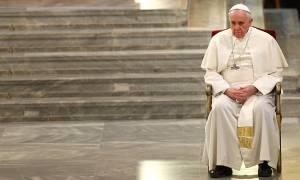 Σκάνδαλο στο Βατικανό: Παγκόσμια Σύνοδο συγκαλεί ο Πάπας – Πληθαίνουν οι φωνές για παραίτησή του