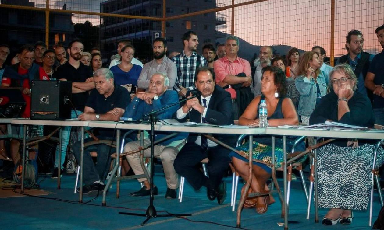 Μάτι: Τα «άκουσαν» υπουργοί και Ψινάκης από τους κατοίκους – Τι υποσχέθηκε ο Σπίρτζης