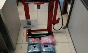 Λάρισα: Χειροπέδες σε χονδρέμπορο ναρκωτικών - Θα «έριχνε» στην αγορά 2 κιλά ηρωίνης
