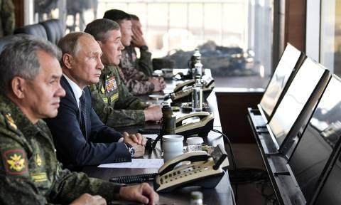 """Путин отметил высокий уровень основного этапа маневров """"Восток-2018"""""""