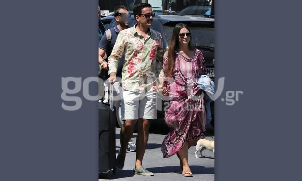 Τόνι Σφήνος: Χεράκι-χεράκι με τη σύζυγό του