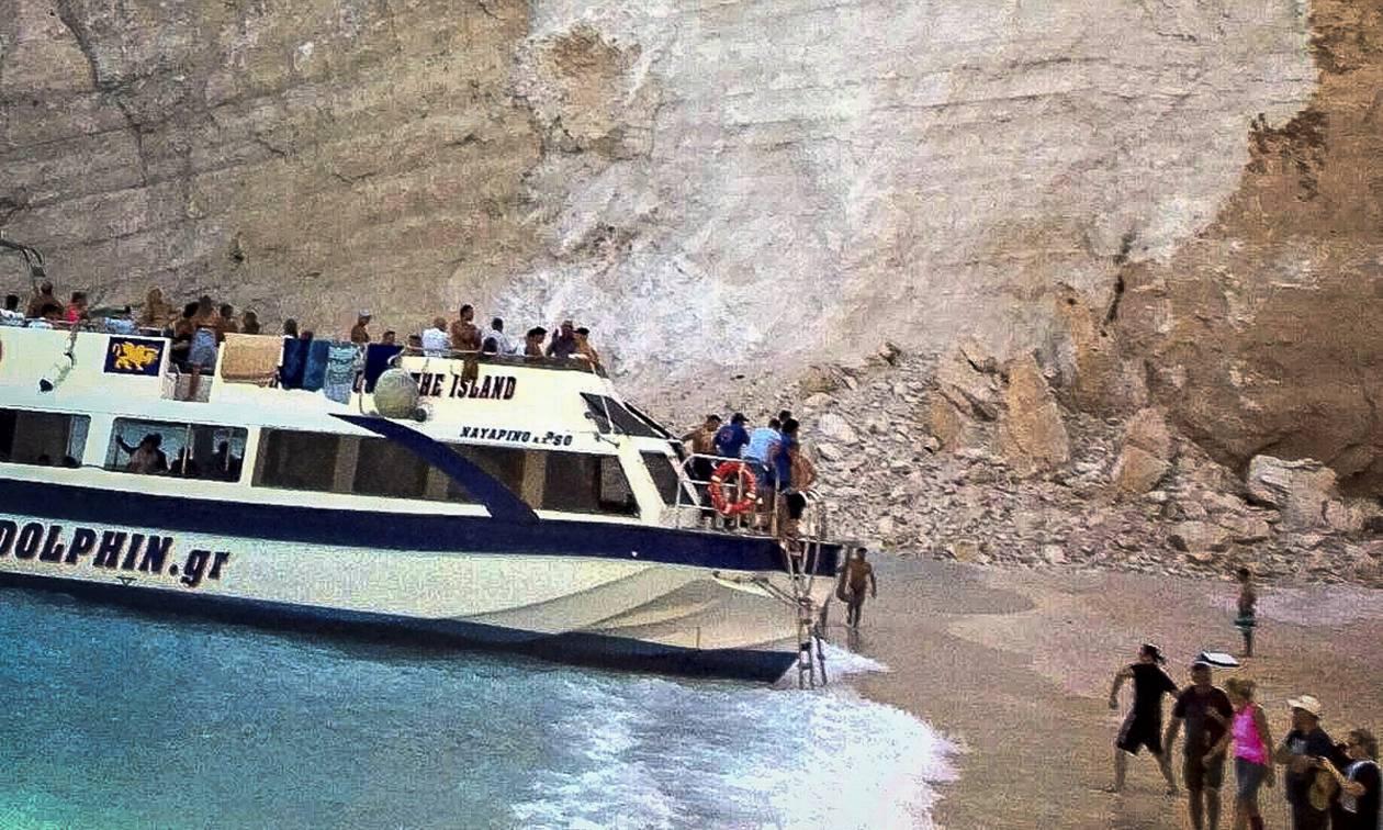 Θρίλερ στο Ιόνιο: Αυτές είναι οι επτά παραλίες όπου υπάρχει κίνδυνος κατολίσθησης (vids&pics)
