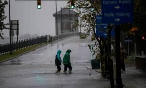 ΗΠΑ: Εξασθενημένος αλλά ακόμα επικίνδυνος ο κυκλώνας Φλόρενς (vid)