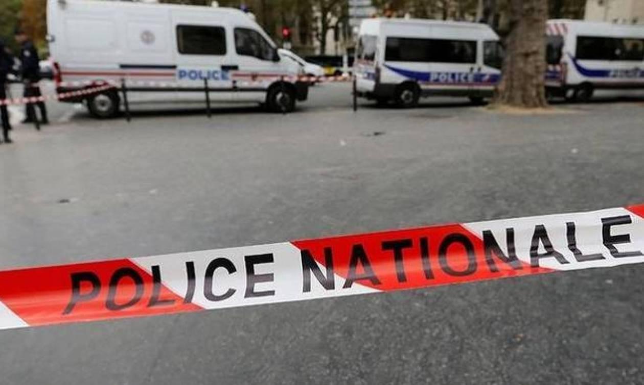 Τρόμος στη Γαλλία: Αυτοκίνητο έπεσε πάνω σε πλήθος - Δύο τραυματίες
