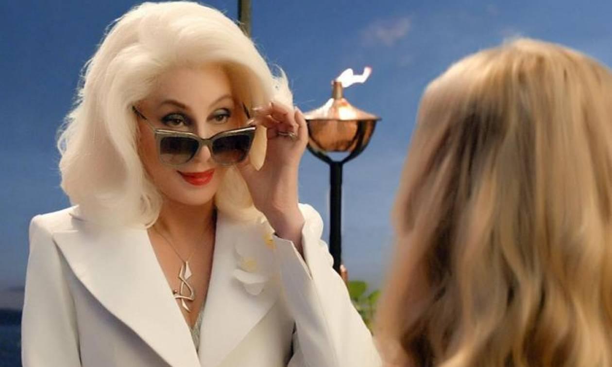 Hats off to Cher: Η απάντησή της στην ερώτηση πως φαίνεται τόσο νέα στο Mamma Mia