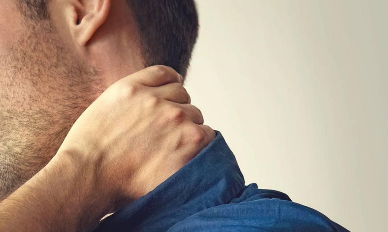 Πώς μπορείτε να μειώσετε τους πόνους στον αυχένα