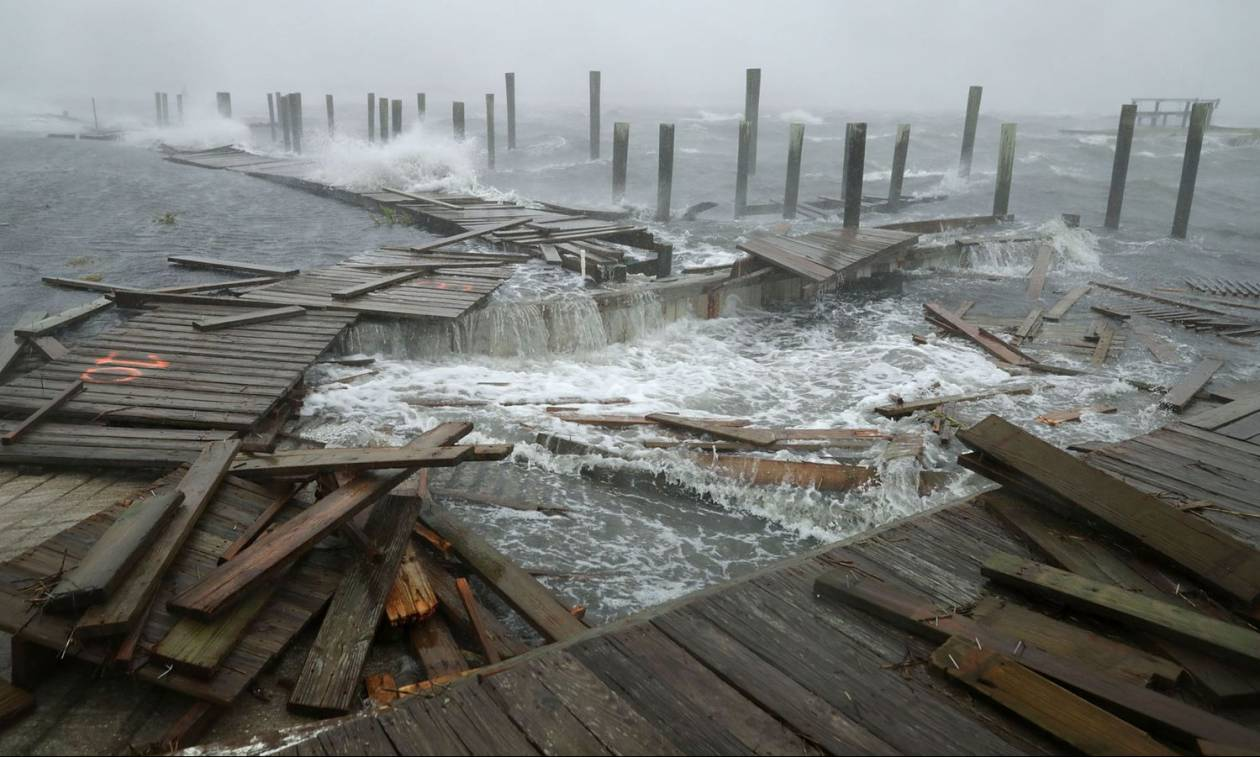 SOS για τον καταστροφικό κυκλώνα Φλόρενς: Προβλέπεται «βιβλικός κατακλυσμός» - Δείτε LIVE εικόνα