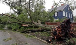 Ο φονικός τυφώνας Φλόρενς «σφυροκοπά» τις ΗΠΑ: 5 νεκροί και δεκάδες παγιδευμένοι