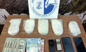 Επιχείρησαν να περάσουν από το «Ελ. Βενιζέλος» κοκαΐνη μέσα σε σαμπουάν: Δύο συλλήψεις
