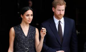 Δεν φαντάζεστε τι αναγκάζει τη Μέγκαν Μαρκλ να φορά κάτω από τις φούστες η Βασίλισσα!