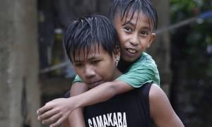 Στο έλεος του υπερ-τυφώνα Μανγκούτ οι Φιλιππίνες: Τουλάχιστον 14 νεκροί