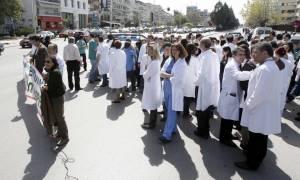 Αναδρομικά και στους γιατρούς του ΕΣΥ - Σύσκεψη στο Μέγαρο Μαξίμου