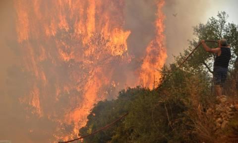 Wildfire raging on Zakynthos