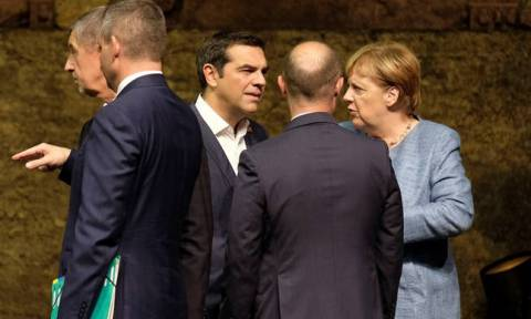 Tsipras asks for new EU initiative if refugee flows increase